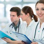 Giải đáp thắc mắc: Học cao đẳng dược có dễ xin việc hay không?