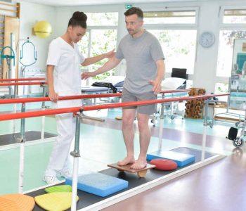 tuyển dụng Kỹ thuật viên Phục hồi chức năng